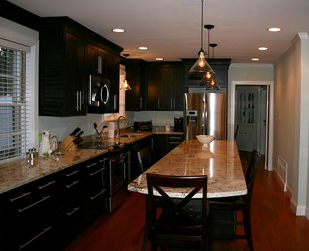 Black Kitchen Cabinets 1