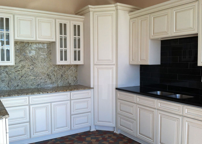 white-kitchen-cabinets-2