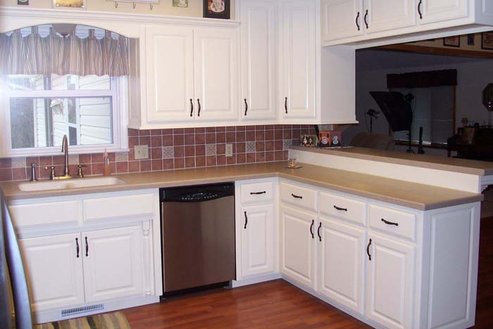 white-kitchen-cabinets-3