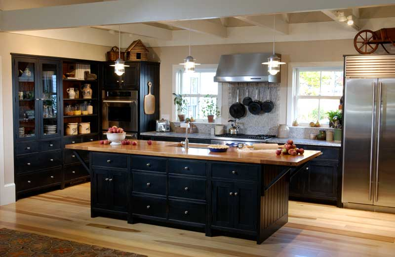 black-kitchen-cabinets-14 Large Farmhouse Kitchen Ideas on farmhouse lighting, farmhouse furniture, farmhouse bedrooms, dining room ideas, farmhouse style restaurants, farmhouse-style decorating ideas, farmhouse home, farmhouse landscaping, farmhouse kitchens on pinterest,