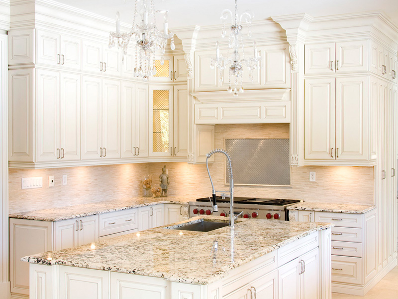 white-kitchen-cabinets-11