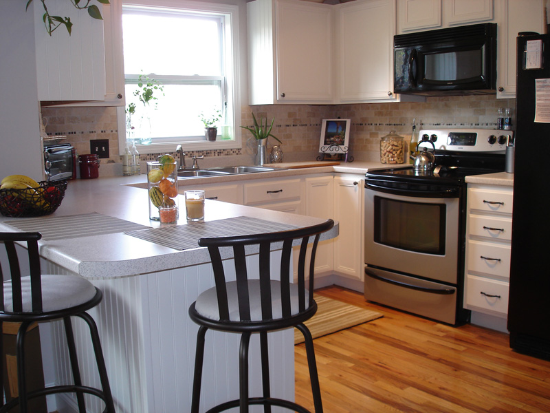 white-kitchen-cabinets-15